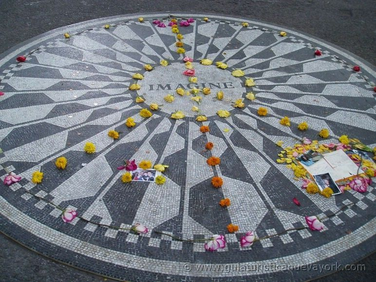 Strawberry Fields y su famoso mosaico de Imagine