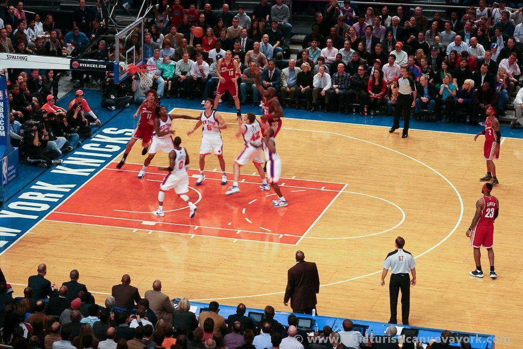 Viendo a los Knicks en el Madison Square Garden