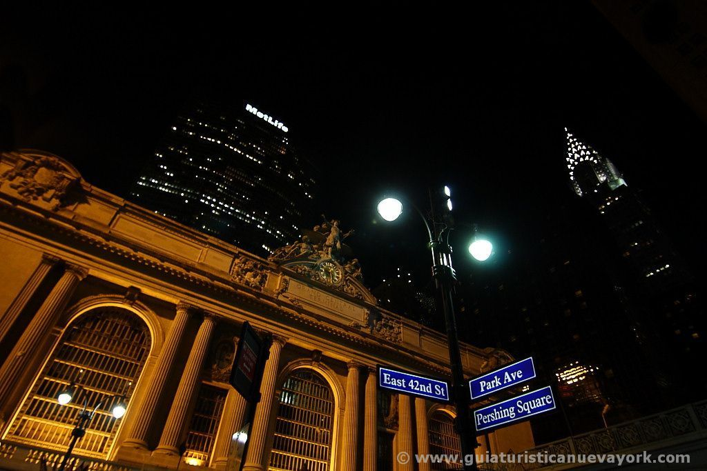 Grand Central, el edificio Chrysler y Metlife de noche