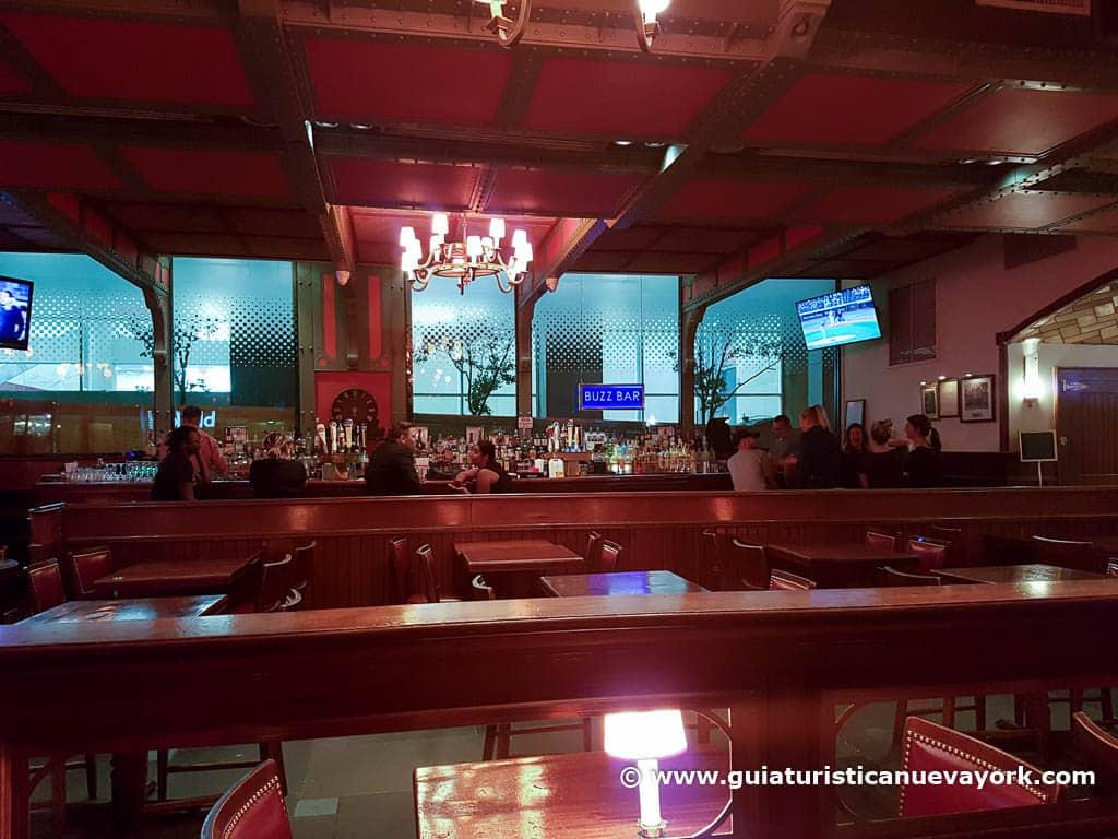 Interior de Pershing Square
