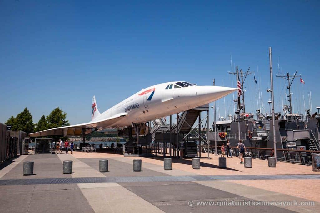 El Concorde aparcado en el exterior del museo Intrepid