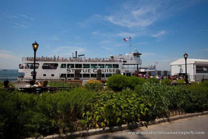 Ferry a la Estatua de la Libertad
