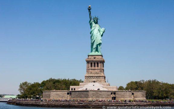 Ir a ver la Estatua de la Libertad