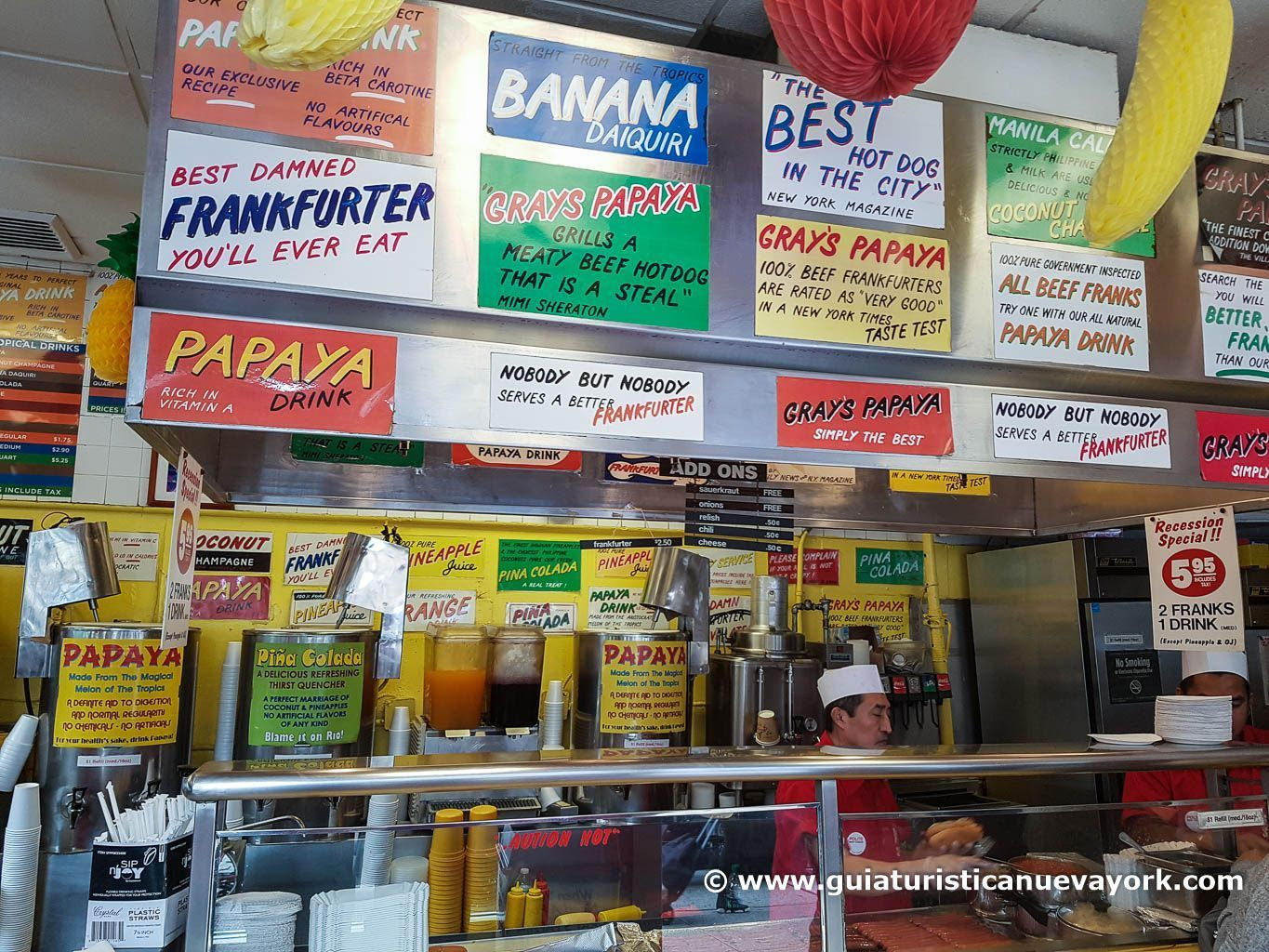 Interior del Gray's Papaya
