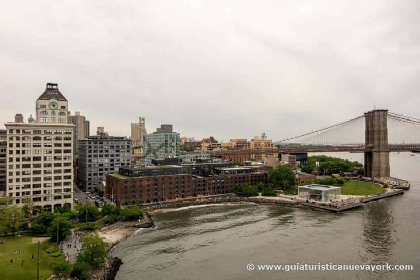 DUMBO desde el puente de Manhattan