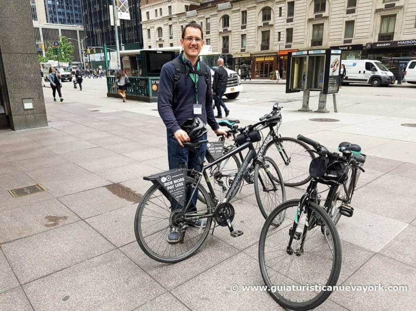 Haciendo el tour en bici por Central Park