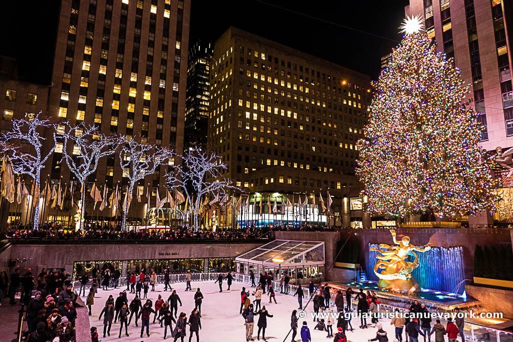 Patinando en el Rockefeller Center