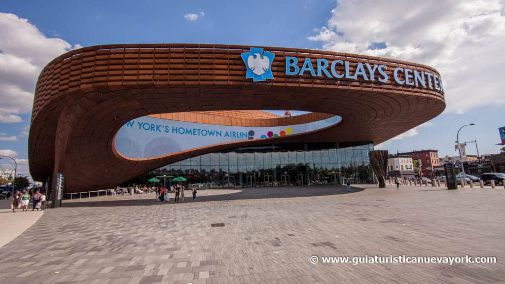 Vista desde el exterior del Barclays Center