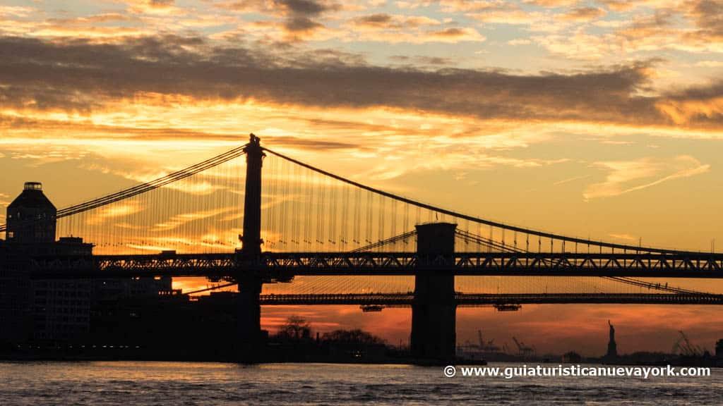 Los puentes de Manhattan y Brooklyn, al atardecer
